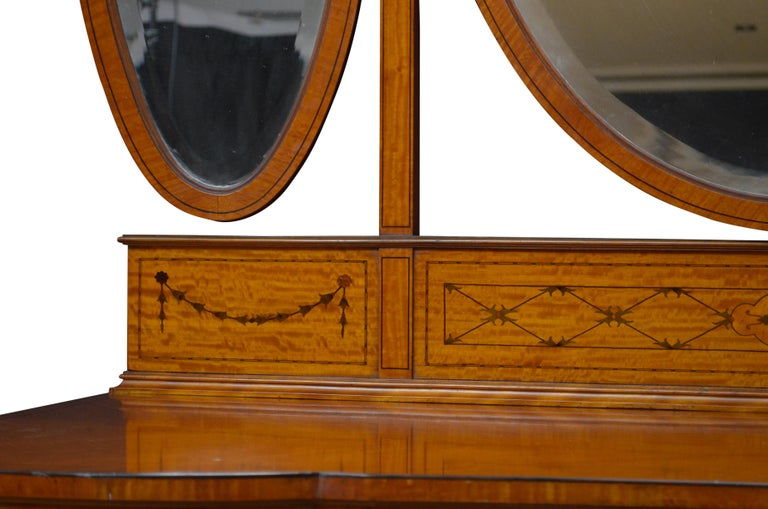 Early 20th Century Edwardian Satinwood Dressing Table For Sale