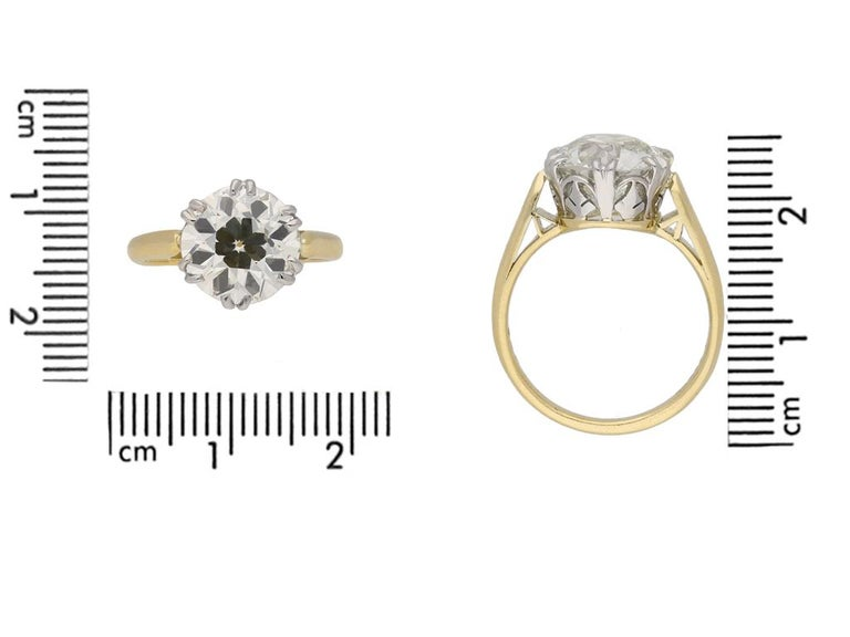 Women's or Men's Edwardian Solitaire Diamond Ring, circa 1910 For Sale