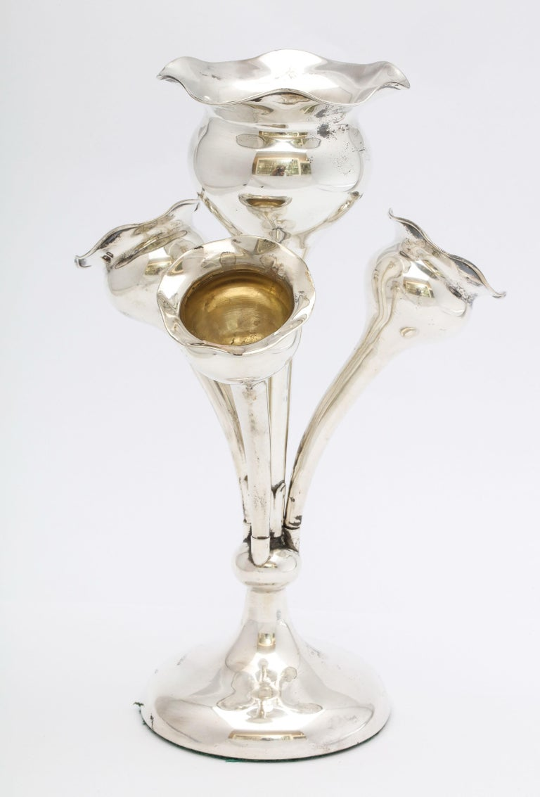 Edwardian Sterling Silver Epergne/Centerpiece In Good Condition For Sale In New York, NY
