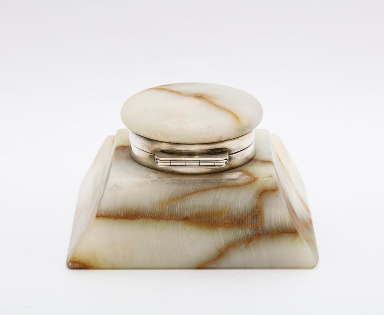 Edwardian Sterling Silver-Mounted Onyx Inkwell For Sale 2