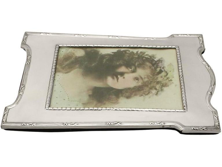 Antique Edwardian Sterling Silver Photograph Frame by E Mander & Son For Sale 1