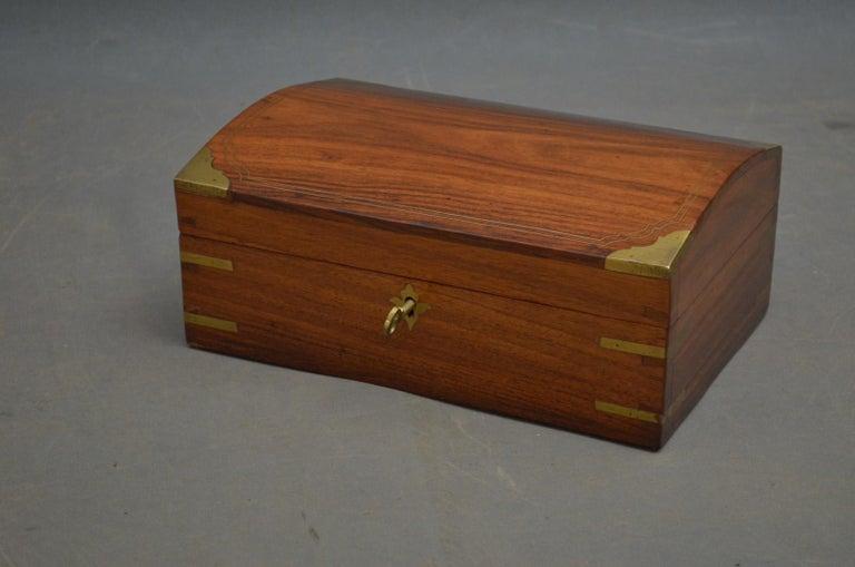 Edwardian Walnut Jewelry Box In Good Condition For Sale In Whaley Bridge, GB