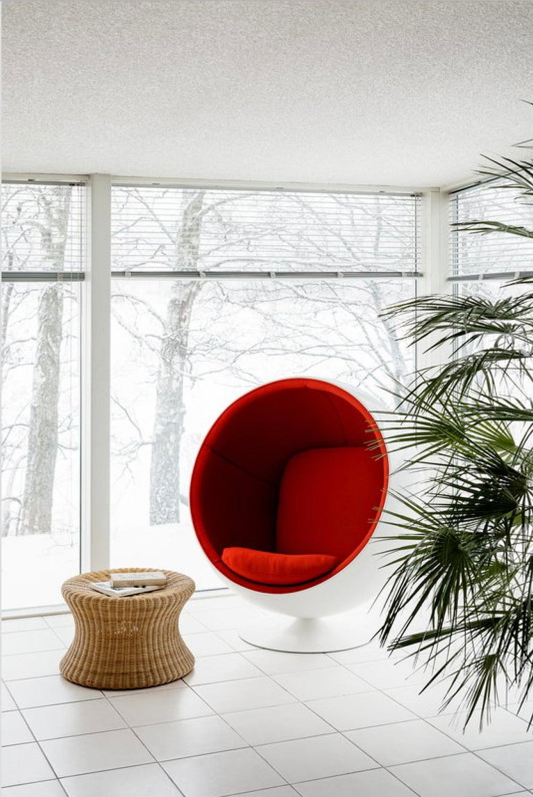 Finnish Eero Aarnio Ball chair in Kvadrat Hallingdal Red 65  For Sale