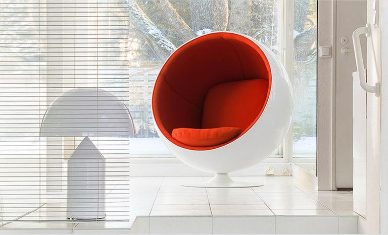 Eero Aarnio Ball chair in Kvadrat Hallingdal Red 65  In Excellent Condition For Sale In Vancouver, BC