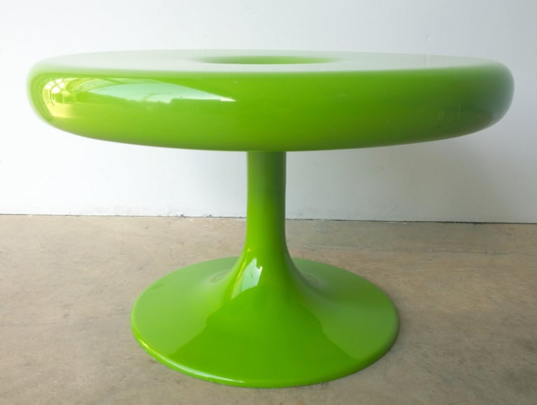 Eero Aarnio Kantarelli Molded Plastic Green Fiberglass Occasional Side Table In Good Condition For Sale In Houston, TX