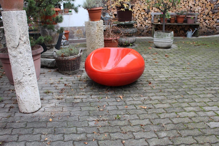 Eero Aarnio Space Age Pastille Vintage Red Fiberglass Armchair, 1960s, Finland For Sale 4