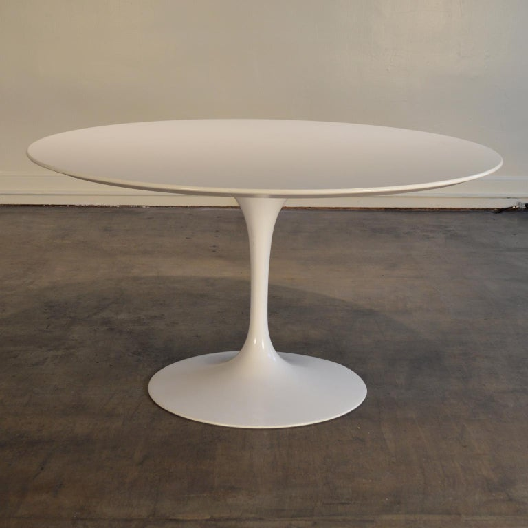Eero Saarinen Pedestal Table Manufactured by Knoll. A Classic, 54