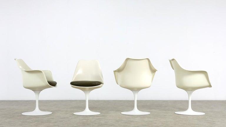 American Eero Saarinen Early Tulip Armchair 150 and Sidechair 151 for Knoll International For Sale