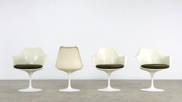 Mid-20th Century Eero Saarinen Early Tulip Armchair 150 and Sidechair 151 for Knoll International For Sale