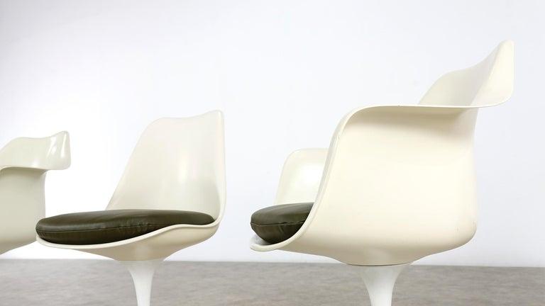 Eero Saarinen Early Tulip Armchair 150 and Sidechair 151 for Knoll International For Sale 2
