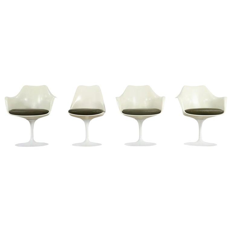 Eero Saarinen Early Tulip Armchair 150 and Sidechair 151 for Knoll International For Sale