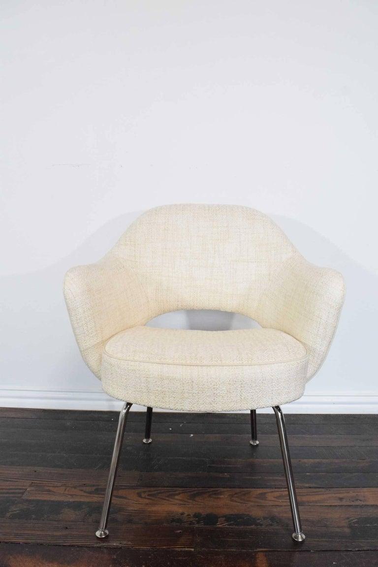 Mid-Century Modern Eero Saarinen Executive Armchair For Sale