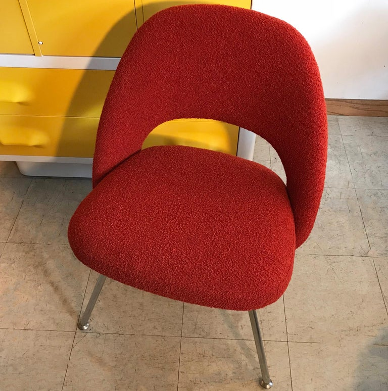 Eero Saarinen Executive Side Chair Chrome Legs In Good Condition For Sale In Brooklyn, NY