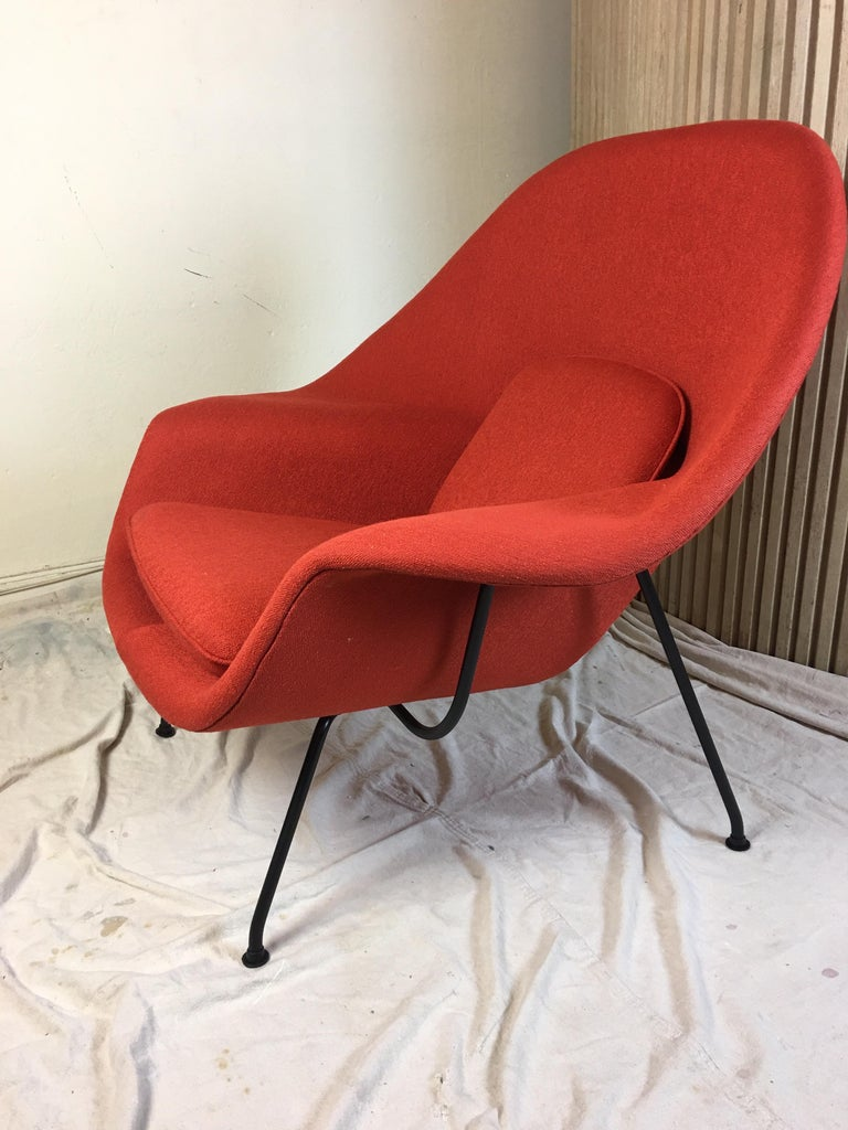 Eero Saarinen for Knoll 1950s Womb Chair and Ottoman In Good Condition For Sale In Philadelphia, PA