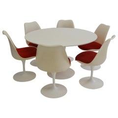 Eero Saarinen for Knoll 1970s Tulip Table and Six Chairs