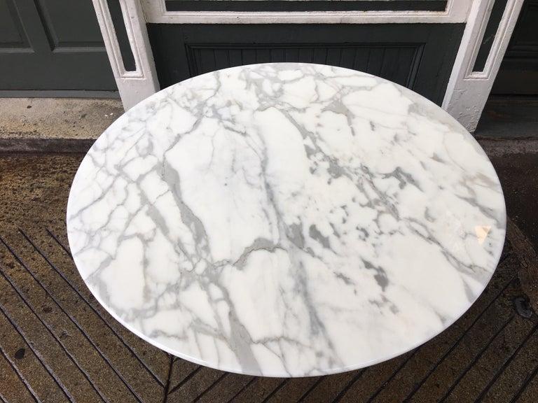 American Eero Saarinen for Knoll Marble Table For Sale