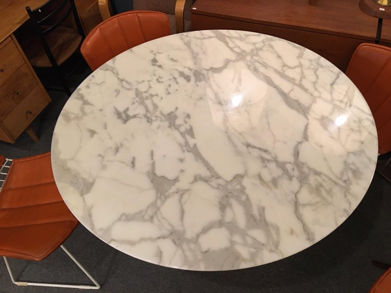 Eero Saarinen for Knoll Marble Table In Good Condition For Sale In Philadelphia, PA