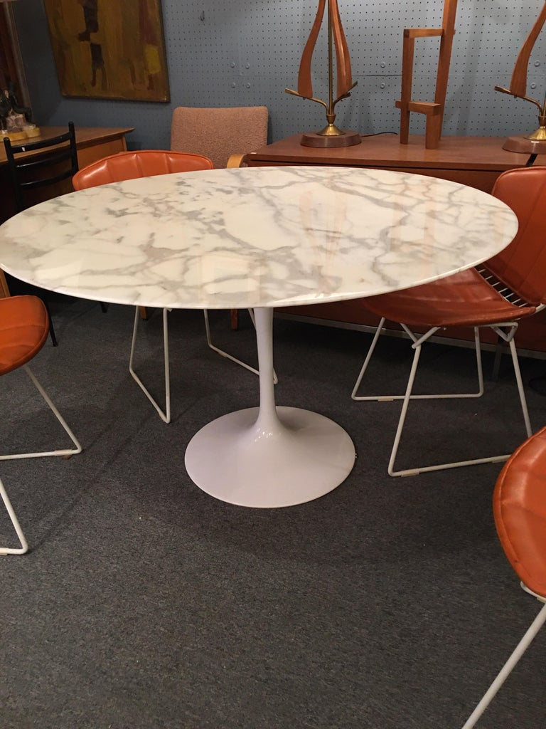 Contemporary Eero Saarinen for Knoll Marble Table For Sale