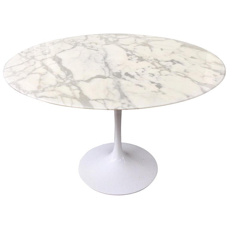 Eero Saarinen for Knoll Marble Table For Sale