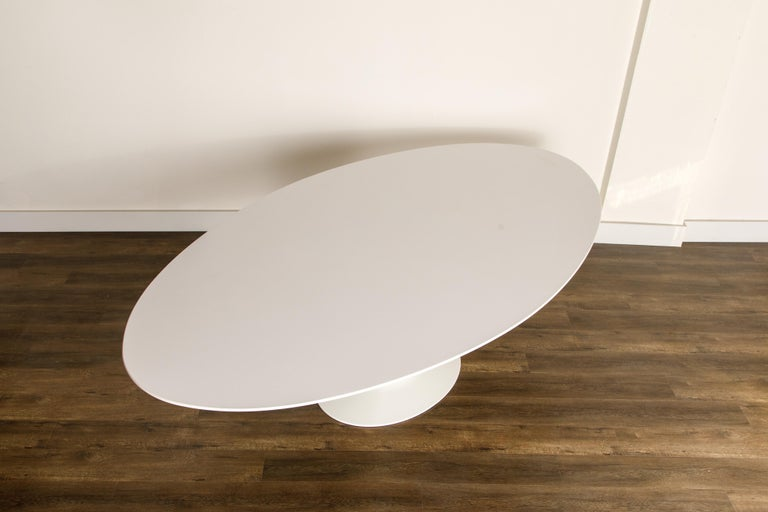 Contemporary Eero Saarinen for Knoll 96