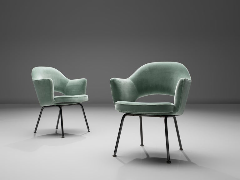 American Eero Saarinen for Knoll International Pair of Dining Chairs For Sale