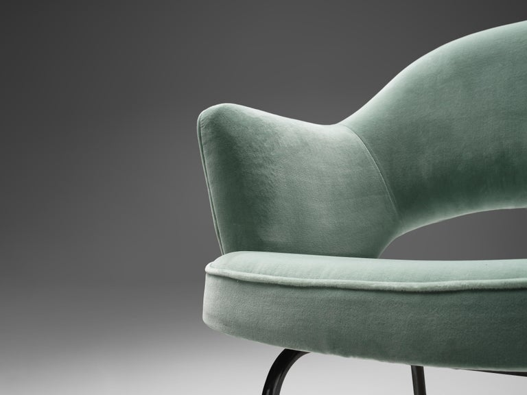 Eero Saarinen for Knoll International Pair of Dining Chairs In Good Condition For Sale In Waalwijk, NL