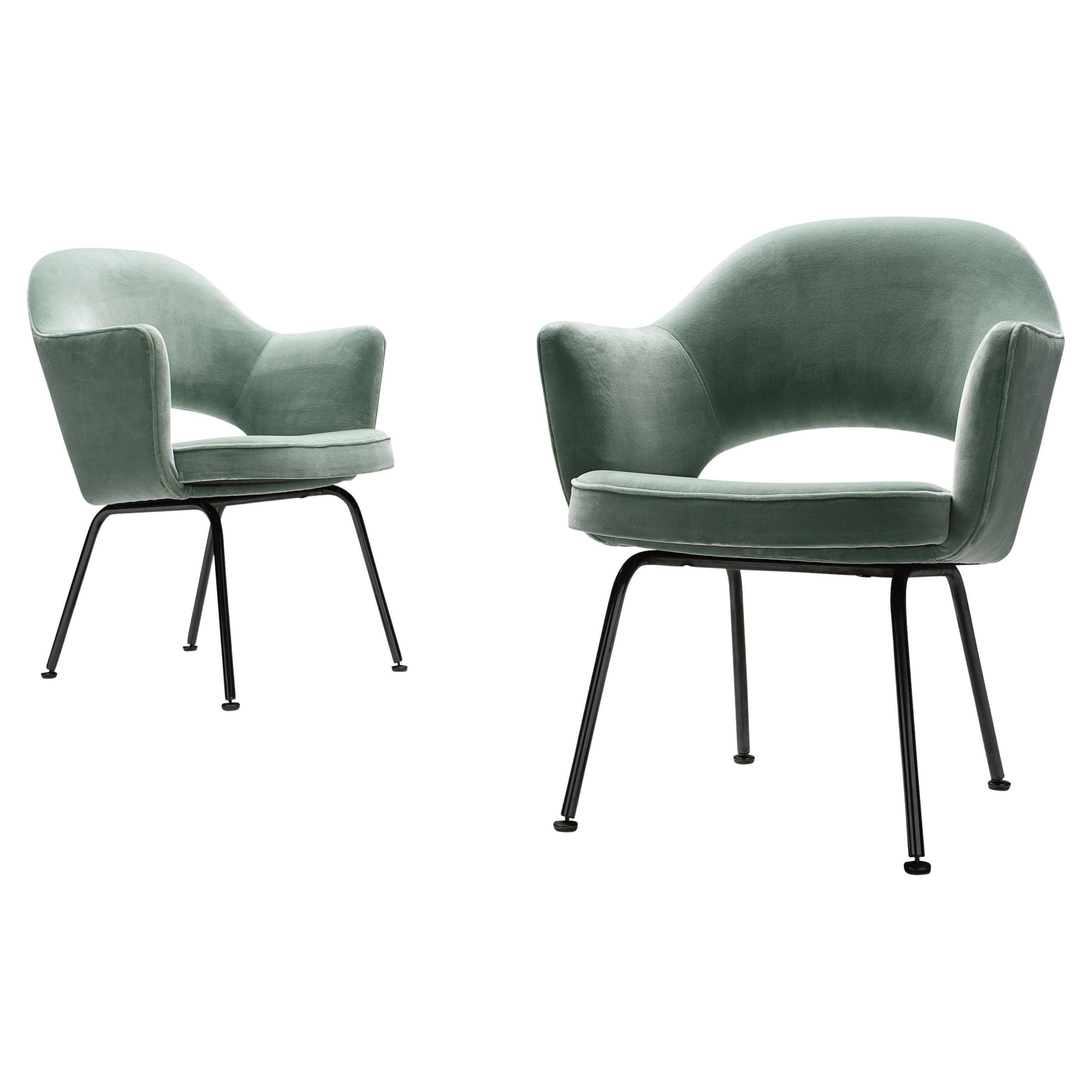 Eero Saarinen for Knoll International Pair of Dining Chairs