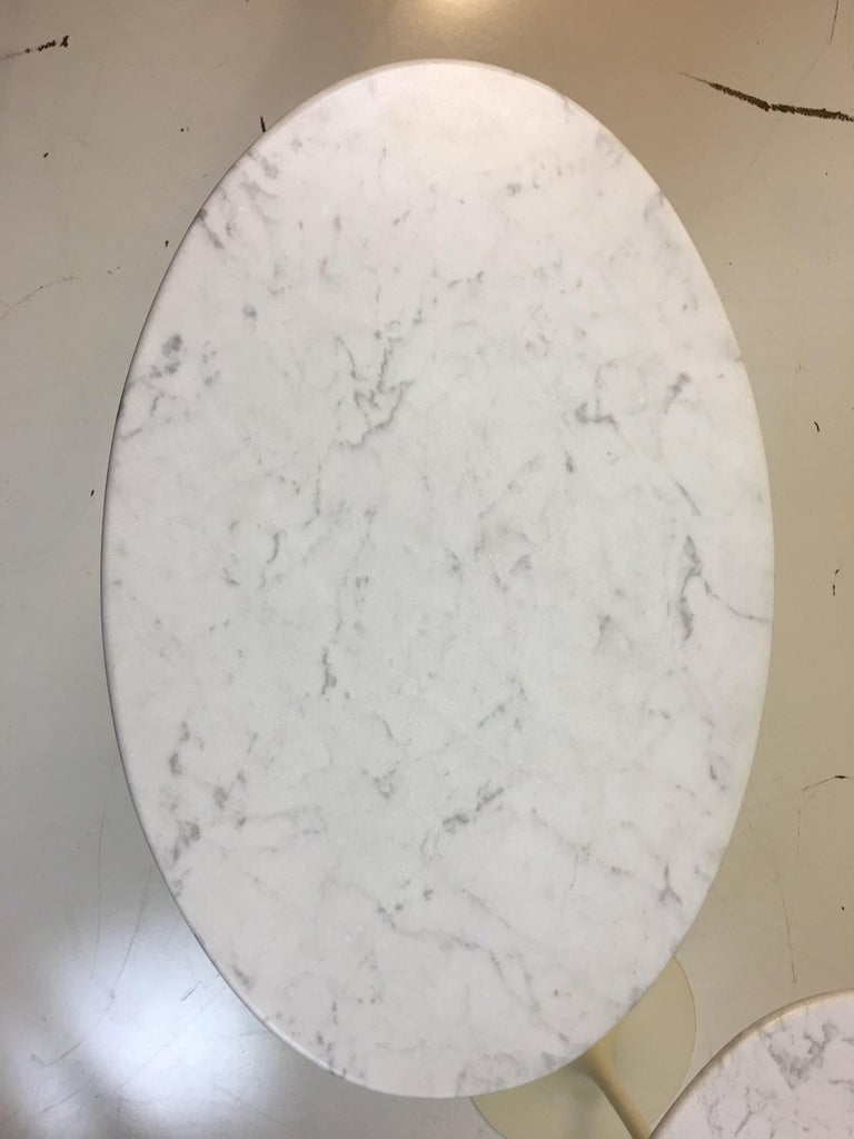 Eero Saarinen for Knoll Marble Oval Side Tables In Good Condition For Sale In Philadelphia, PA