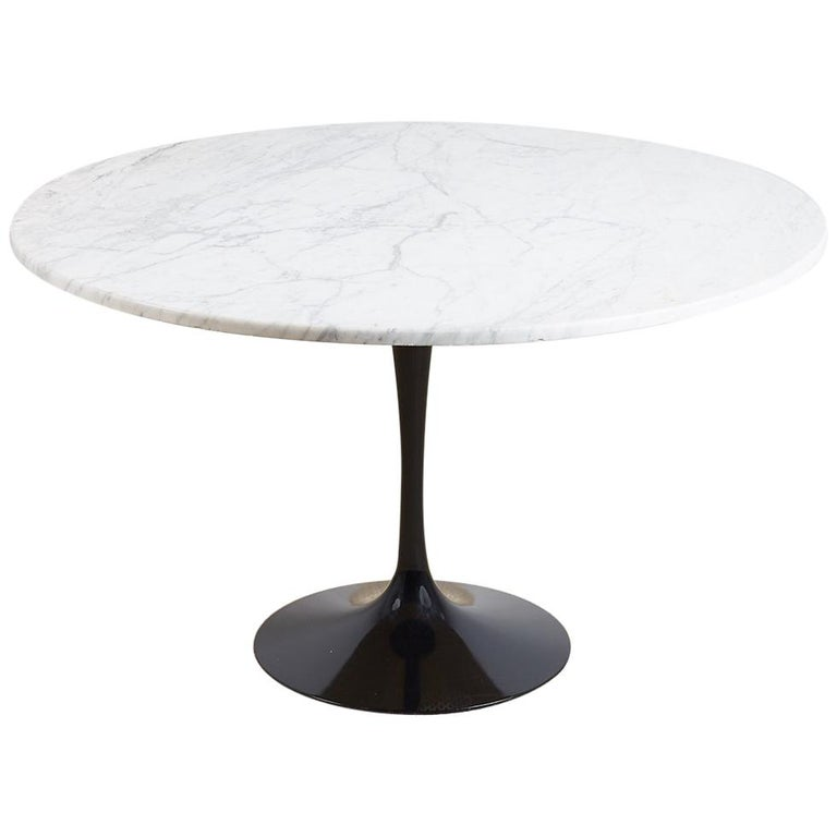 8bb209de074f Eero Saarinen for Knoll Marble-Top Tulip Table For Sale at 1stdibs
