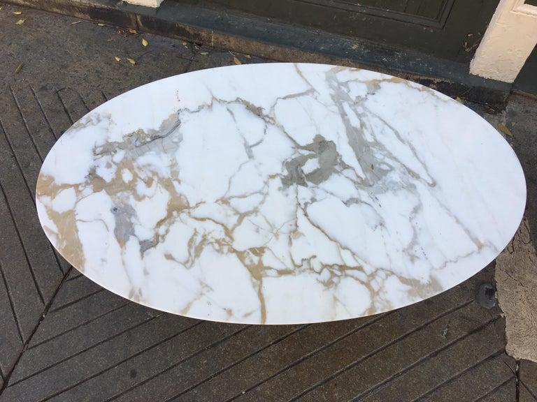 Mid-Century Modern Eero Saarinen for Knoll Oval Marble Coffee Table For Sale