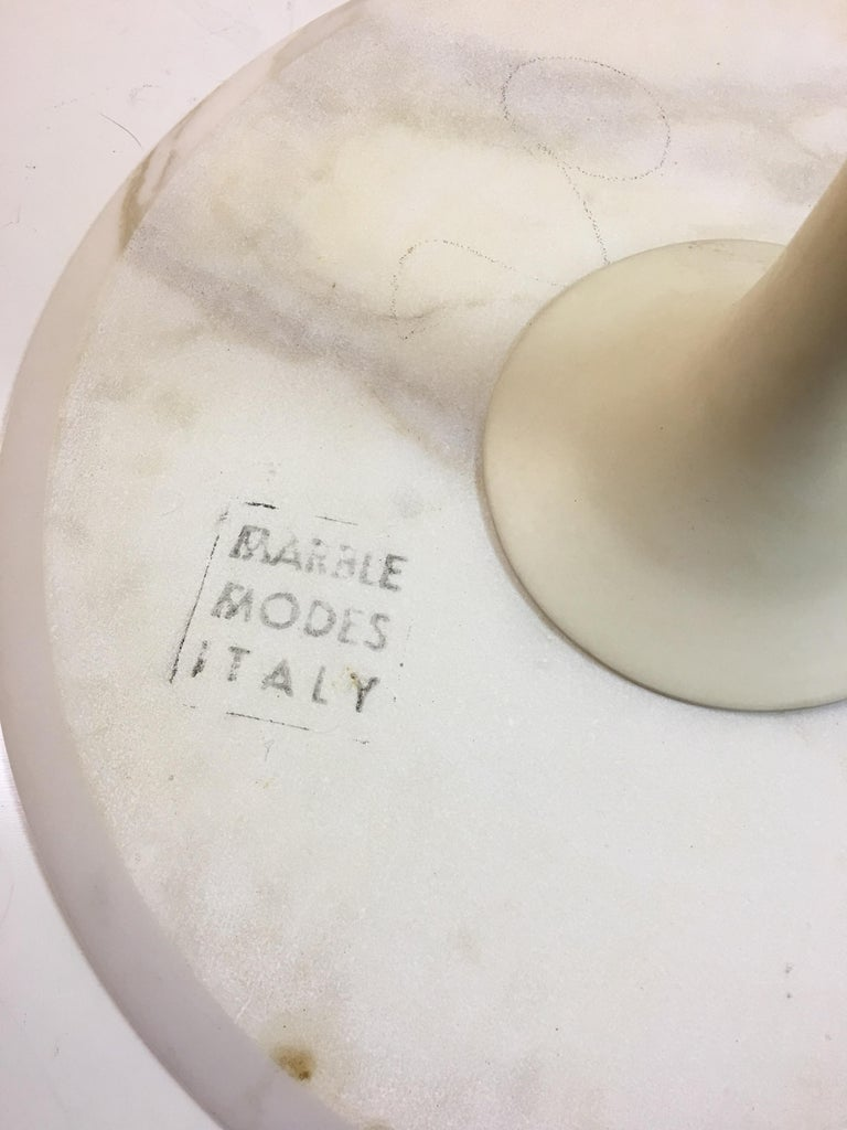 Eero Saarinen for Knoll Round Marble Side Table  In Good Condition For Sale In Philadelphia, PA