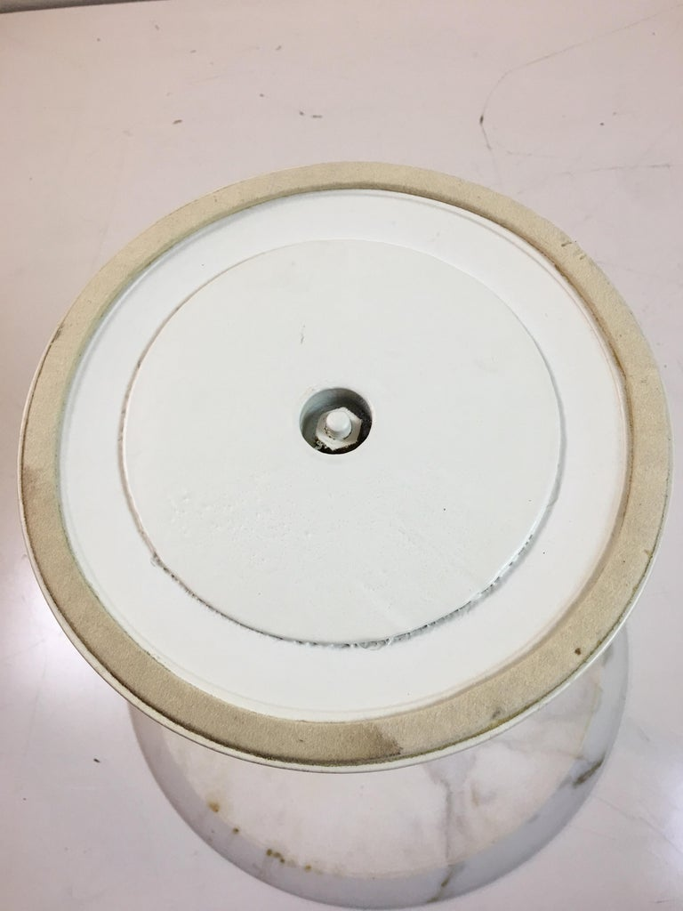 Mid-20th Century Eero Saarinen for Knoll Round Marble Side Table  For Sale