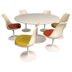 Eero Saarinen for Knoll Round Tulip Dining Table with Six Tulip Chairs