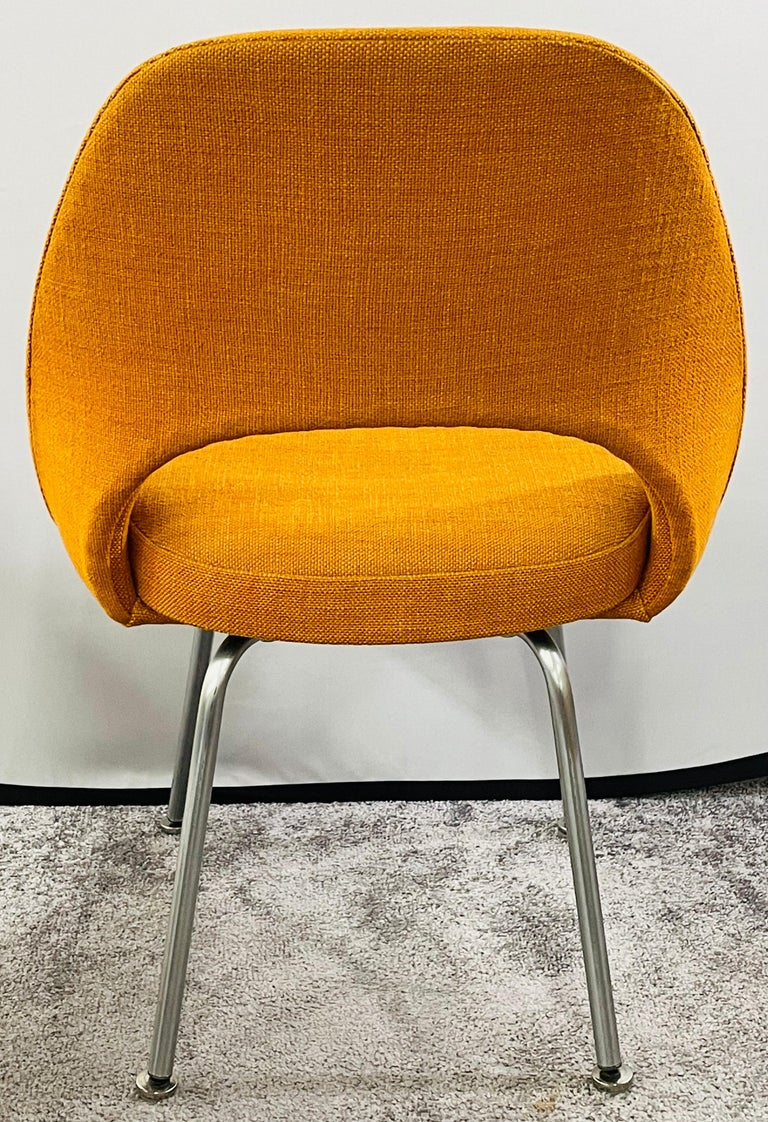 Eero Saarinen for Knoll Side Chair, a Pair For Sale 7