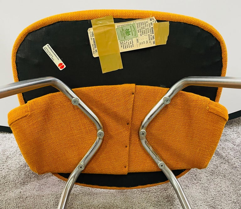 Eero Saarinen for Knoll Side Chair, a Pair For Sale 8