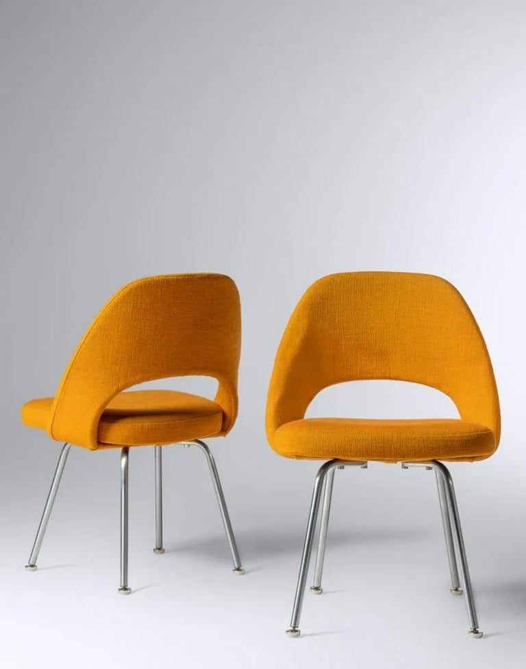 Eero Saarinen for Knoll Side Chair, a Pair For Sale 10