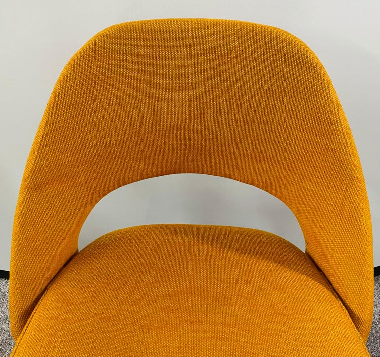 American Eero Saarinen for Knoll Side Chair, a Pair For Sale