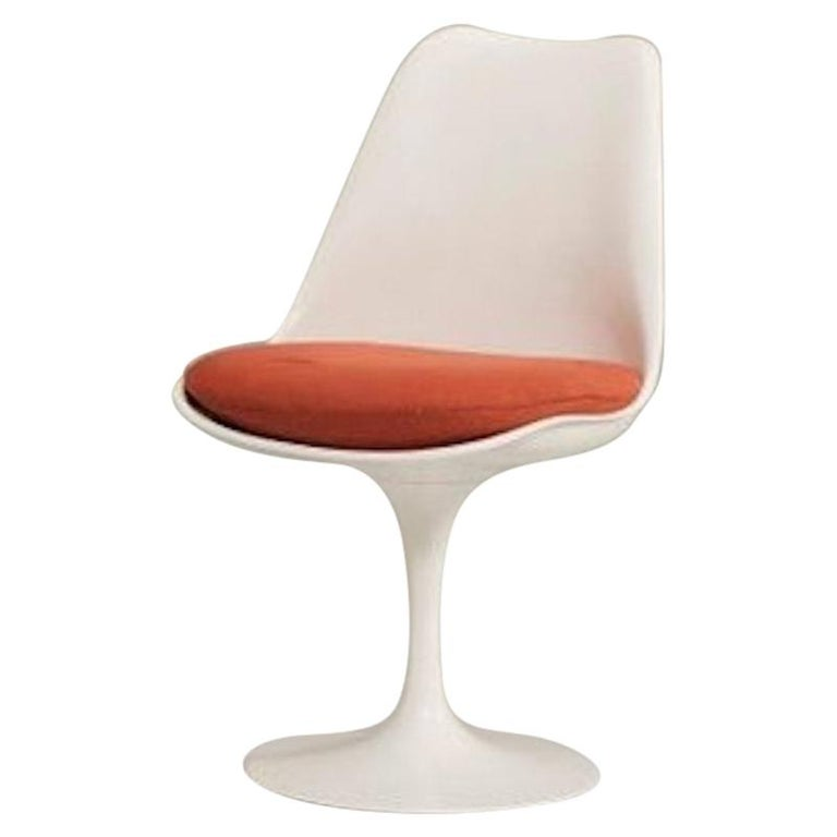 Eero Saarinen for Knoll Tulip Pedestal Armless Chairs 6 Available For Sale