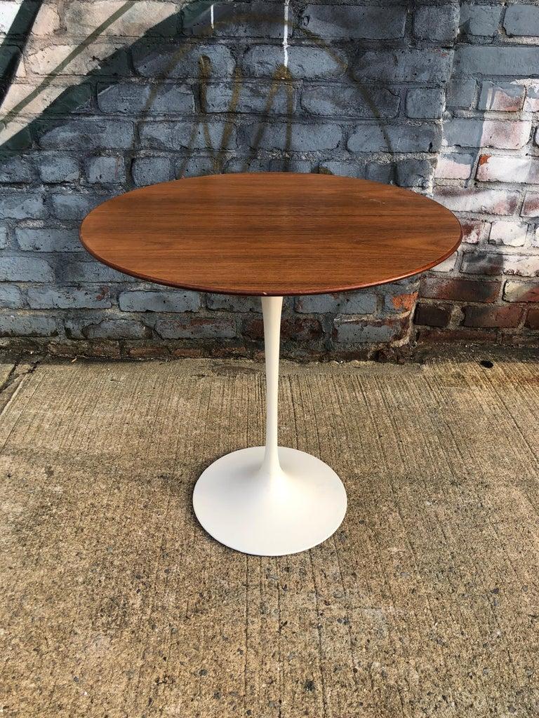Eero Saarinen for Knoll Walnut Tulip Side Table In Good Condition For Sale In Brooklyn, NY