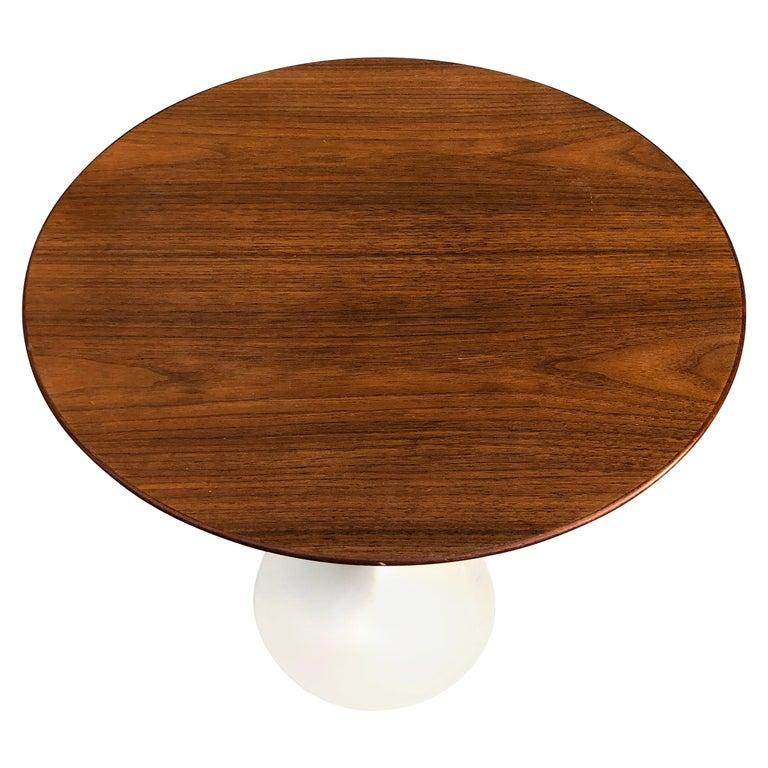 Eero Saarinen for Knoll Walnut Tulip Side Table For Sale