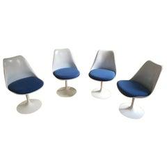 Eero Saarinen & Knoll, 4 Blue Swivel Tulip Chairs