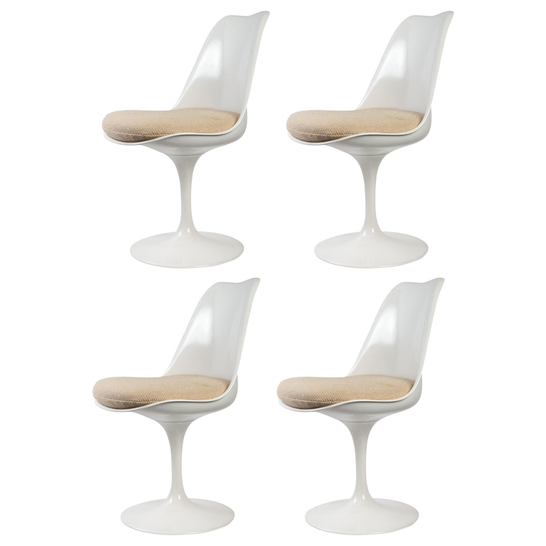 Eero Saarinen & Knoll 4 Tulip Chairs