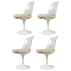 Eero Saarinen & Knoll 4 Tulip Chairs