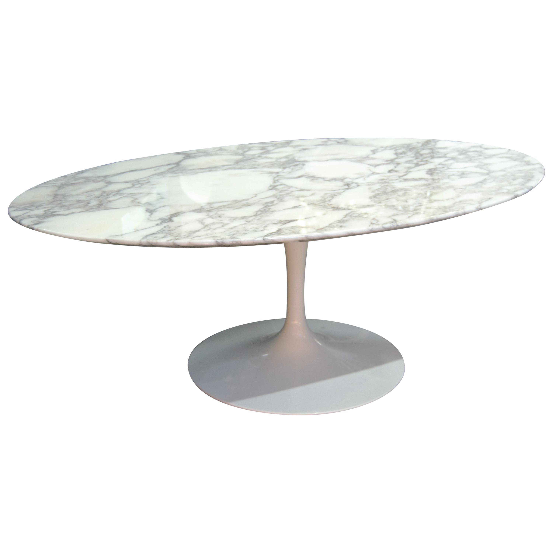 "Eero Saarinen & Knoll International ""Tulip"" Oval coffee Table"
