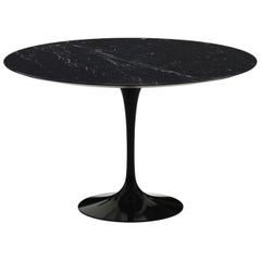 "Eero Saarinen & Knoll International ""Tulip"" Table ""Marquila"""