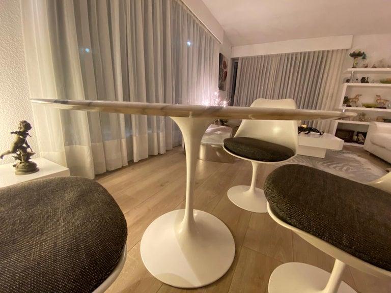 Eero Saarinen & Knoll International