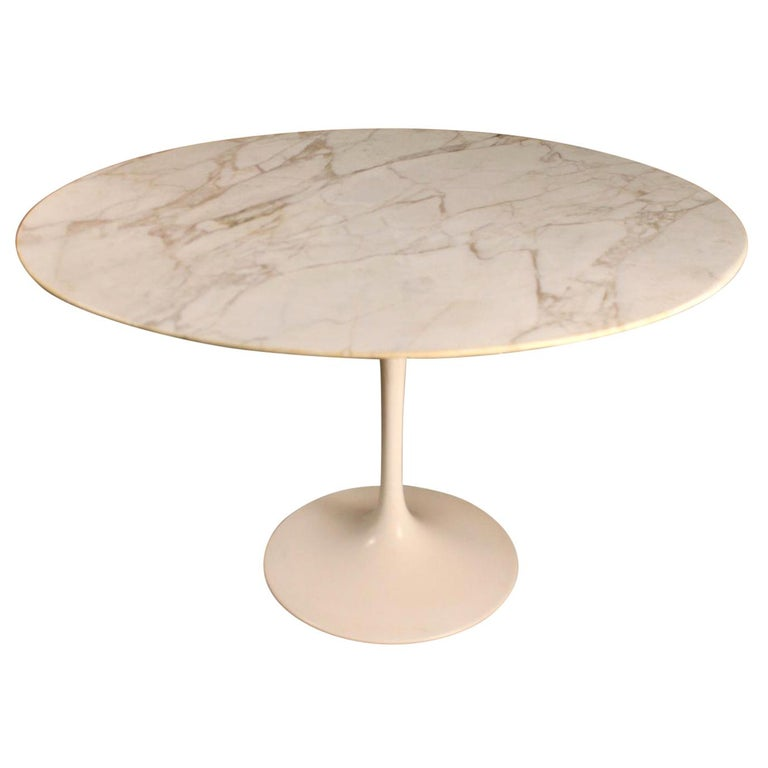 "Eero Saarinen & Knoll International ""Tulip"" Table For Sale"