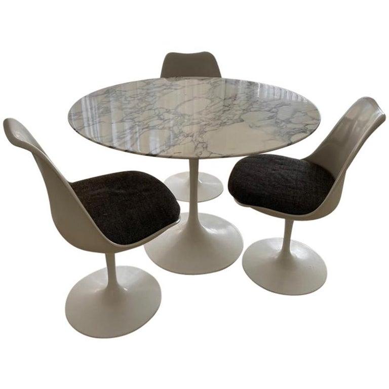 "Eero Saarinen & Knoll International ""Tulip"" Table For Sale"
