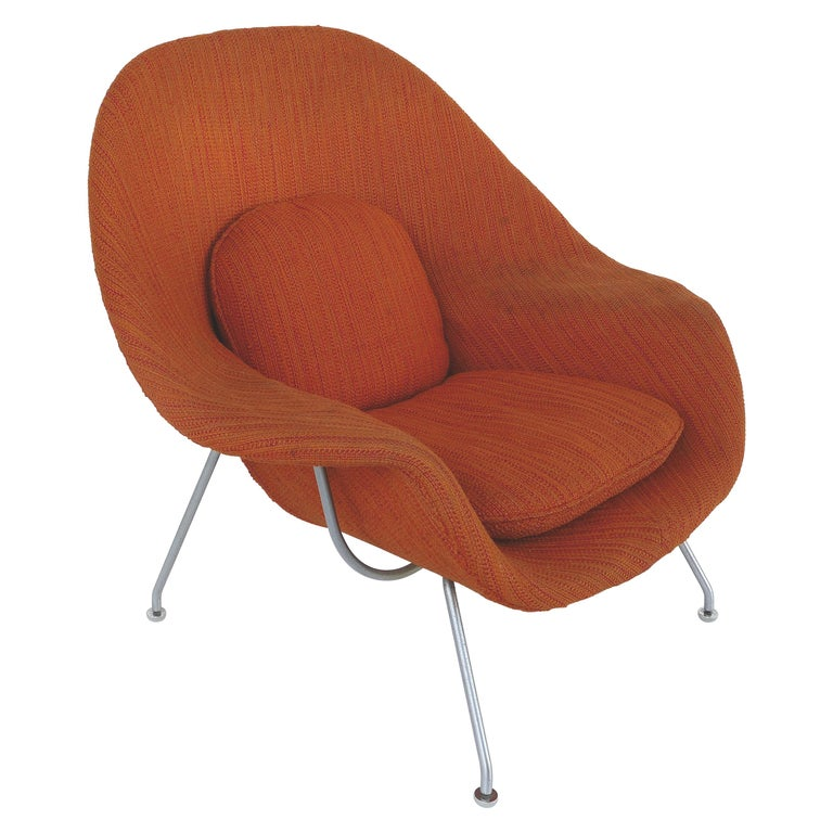 Eero Saarinen Knoll Womb Chair in Knoll Cato Wool Fabric For Sale