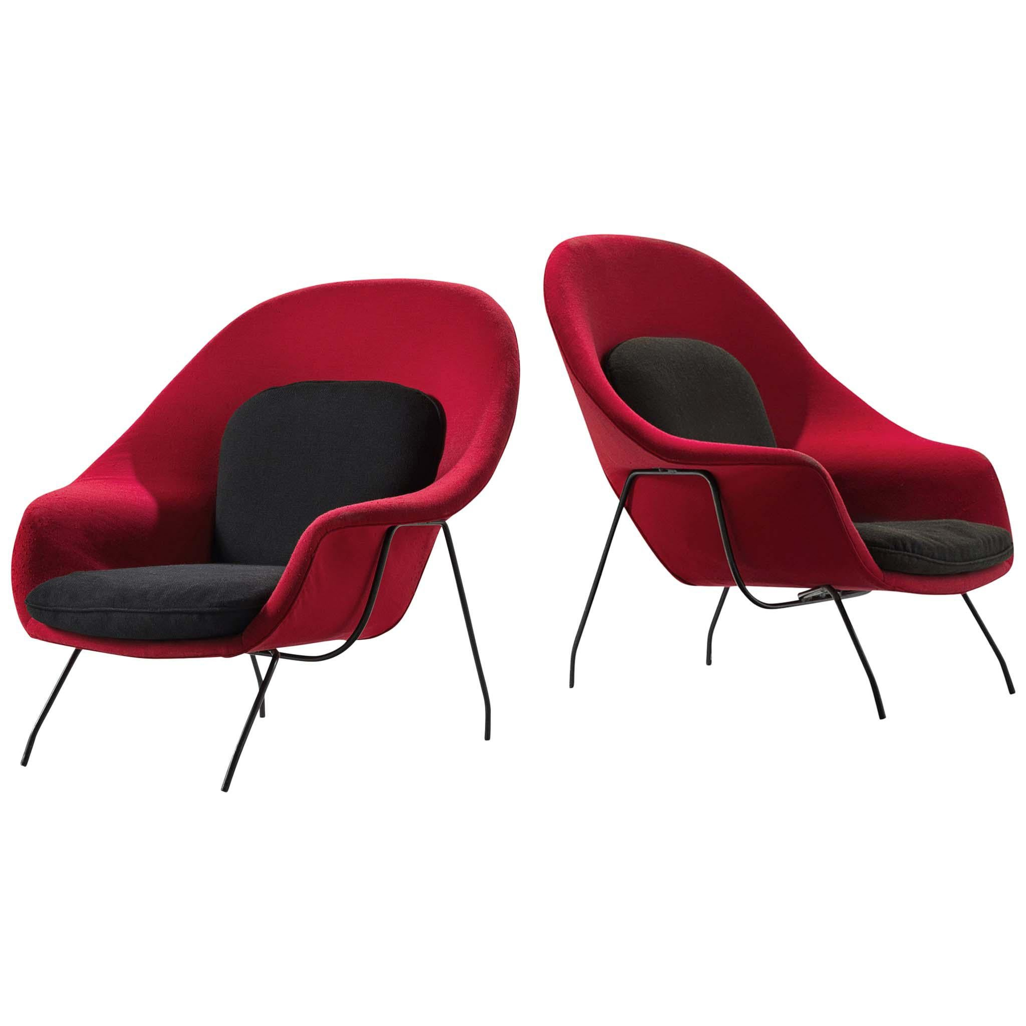 Eero Saarinen Pair of 'Womb' Lounge Chairs in Red and Black Upholstery